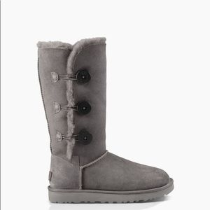 ✨UGG✨BAILEY BUTTON TRIPLET BOOTS SZ 7